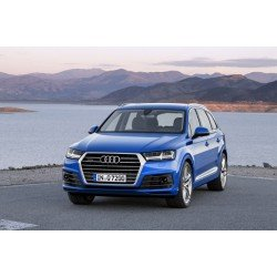 New Audi Q7. Best towing car EVER? You decide.