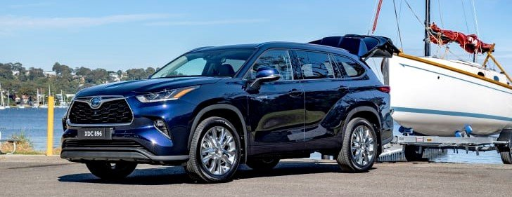 2021-Toyota-Highlander-Can-it-tow-need-a-towbar